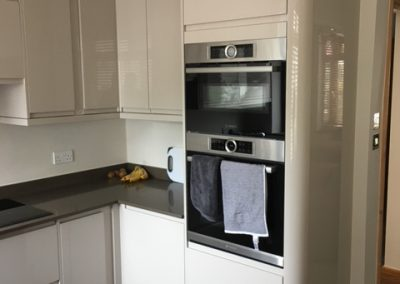 grey-gloss-kitchen-4