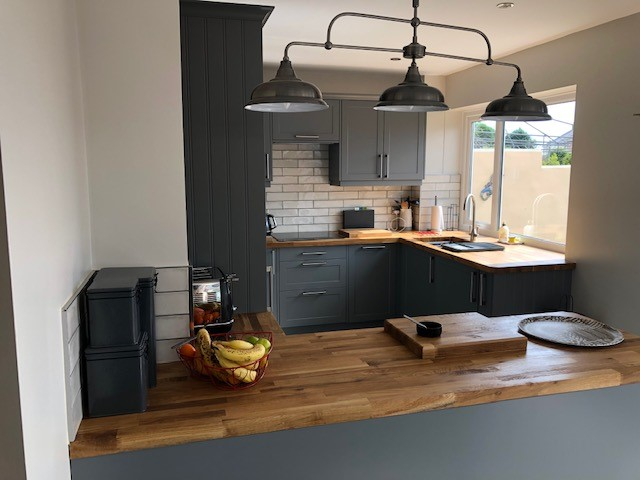kitchen fitter Plymouth